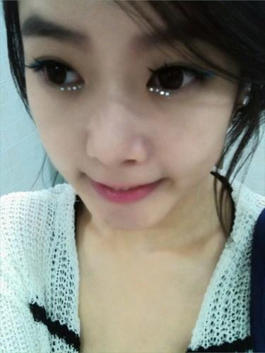 soyeon twitter selca