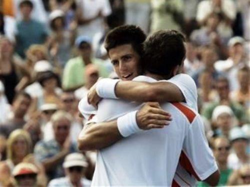 Novak Djokovic پیپر وال entitled stepanek djokovic embrace