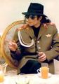 :) I love him :) - michael-jackson photo