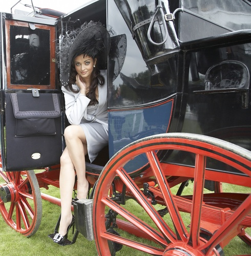 Aishwarya Rai - Photoshoot da Gavin Smith 2009