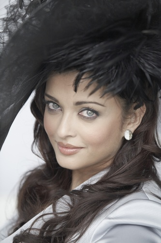 Aishwarya Rai - Photoshoot door Gavin Smith 2009