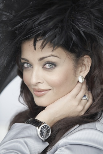 Aishwarya Rai - Photoshoot por Gavin Smith 2009