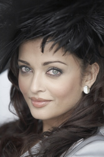 Aishwarya Rai - Photoshoot por Gavin Smith 2009