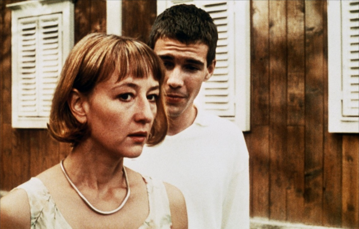 Funny Games images Arno Frisch & Susanne Lothar in Funny ... Funny Games 1997