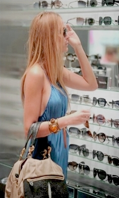 BL shopping @ Sunglass Hut