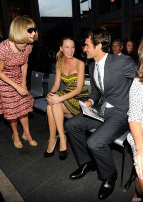 Blake and Leighton at Fashion's Night Out - The Показать September 7