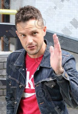 Brandon Flowers, there was no প্রতিমূর্তি UNTIL NOW!