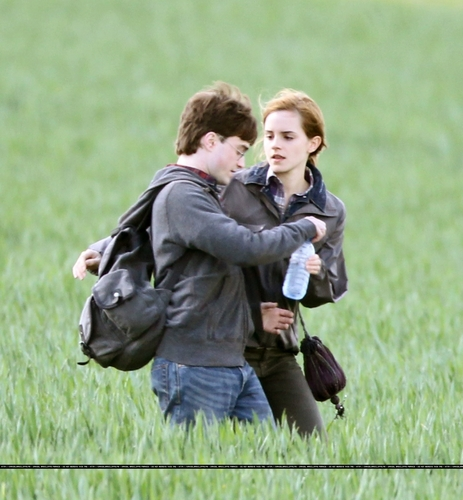 Daniel and Emma behind the scenes