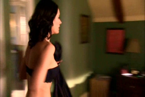 Paget Brewster wallpaper entitled HUFF {1x11- The Sample Closet}