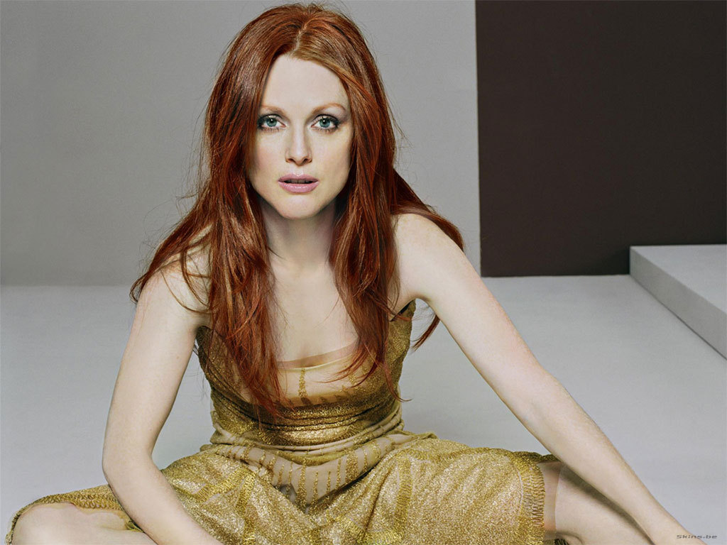 Julianne Moore The Hunger Games Mockingjay Wallpaper