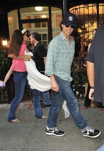 Katie Holmes & Tom Cruise Take Their Sweetie To Serendipity