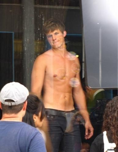 Matt on the set of 90210