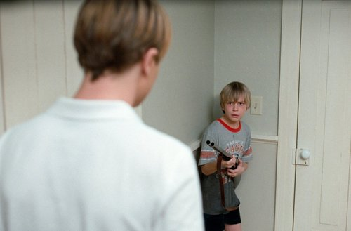 Michael Pitt & Devon Gearhart in Funny Games US (2007)