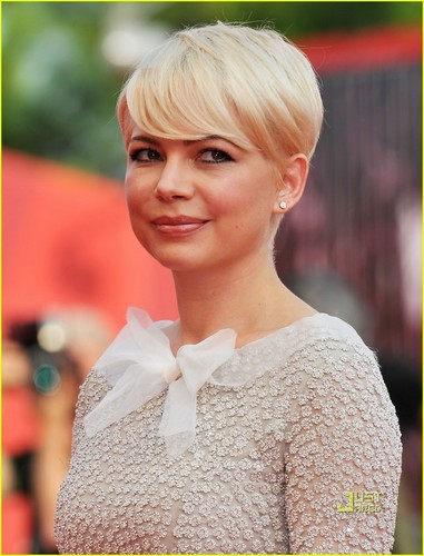 Michelle Williams: 'Meek's Cutoff' Venice Premiere!