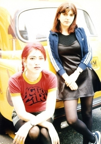 Miki Berenyi and Emma Anderson of Lush