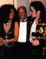 Mj sees Diana...and likes it/her  - michael-jackson photo