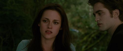 The Twilight Saga New Moon karatasi la kupamba ukuta with a portrait called New Moon Screencaps