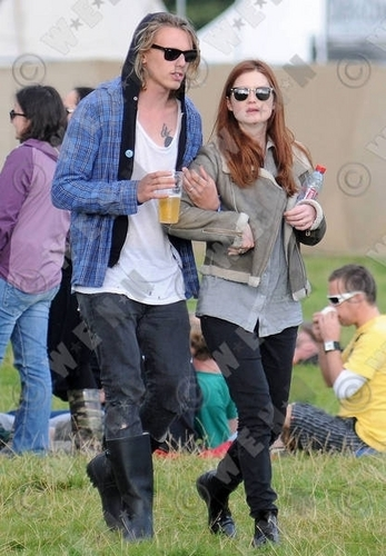 Out and About > 2010 > Jamie Campbell Bower @ Eletric Picnic, Ireland (04.09)