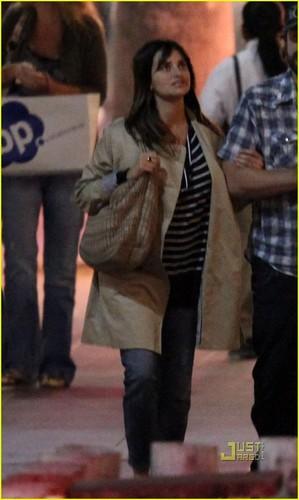 Penelope Cruz & Javier Bardem: Santa Monica Movie Night!