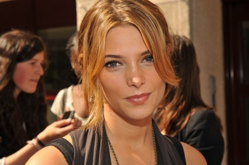 Pictures Of Ashley Greene In Paris!