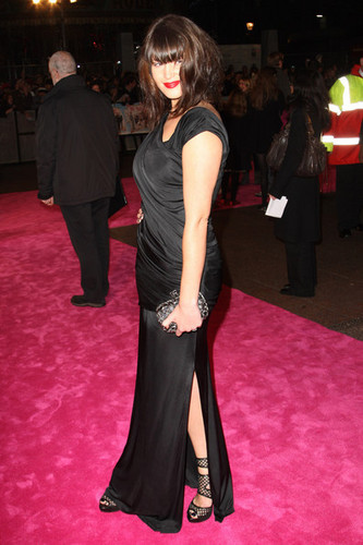 St Trinian's 2: The Legend Of Fritton's dhahabu Premiere (December 9)