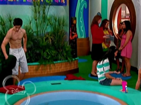 Suite Life on Deck - david-henrie Screencap