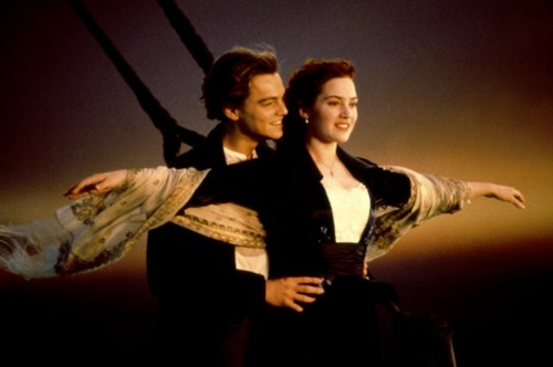 Titanic wallpaper containing a well dressed person called Titanic - Kate Winslet & Leonardo diCaprio