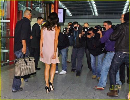 Victoria Beckham: Six Days Until Fashion Week!