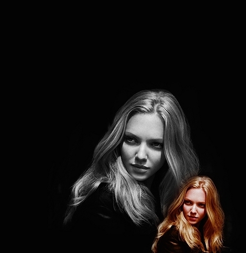 Amanda Seyfried wallpaper probably with a concert and a portrait called Amanda.