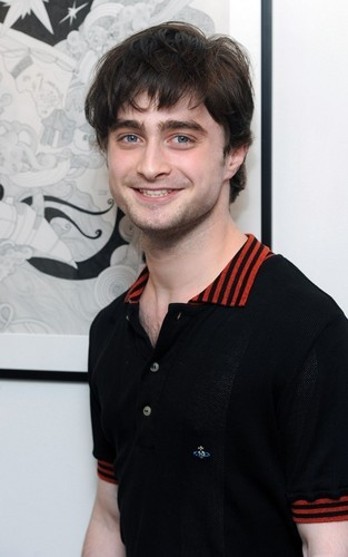 Daniel attended the charity art exhibit opening of The Big Issue, for friend and HP fellow-crew memb