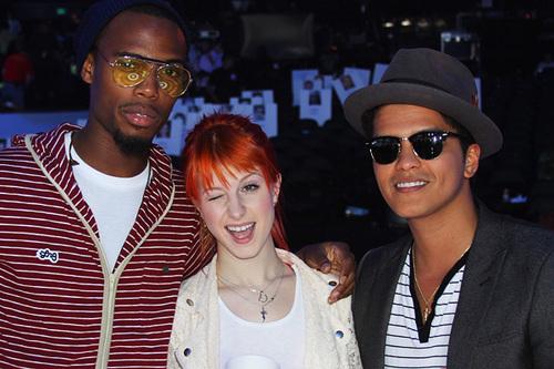 Hayley Williams, B.o.B. & Bruno Mars VMA Rehearsals