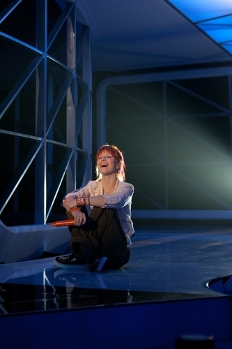 Hayley at VMA rehearsals