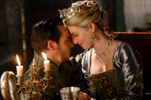 Henry VIII and Jane Seymour - the-tudors Photo
