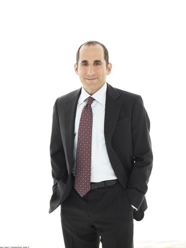 Peter Jacobson karatasi la kupamba ukuta with a business suit, a suit, and a two piece entitled House Season 7: Promotional picha [HQ]