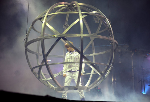 "Justin Bieber ""My World"" Tour With Sean Kingston"