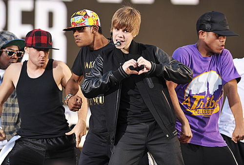 Justin Bieber rehearses outside the Nokia Theater for the 2010 MTV VMAs.
