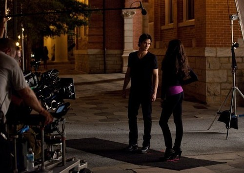 Katherine &amp; Damon -set - the-vampire-diaries-tv-show Photo