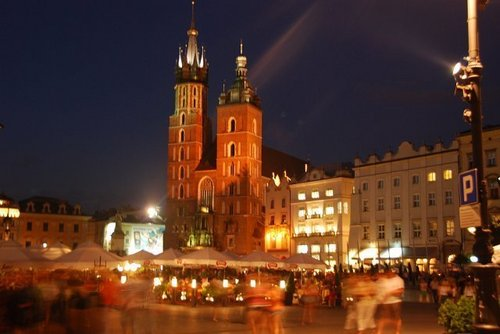 Krakow 由 night, Poland