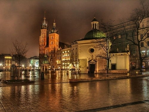 Krakow kwa night, Poland