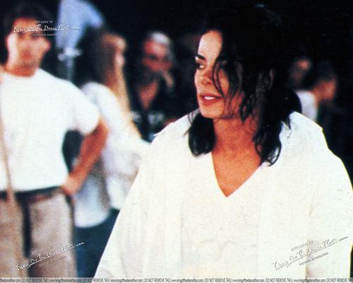 MJ *big photos*