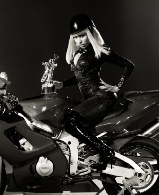 MTV VMA Promo Shoot - Nicki Minaj 327x400