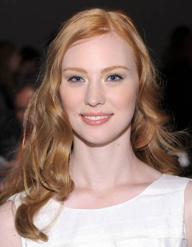 Deborah Ann Woll 바탕화면 containing a portrait titled Mercedes-Benz Fashion Week Spring 2011 - September 11