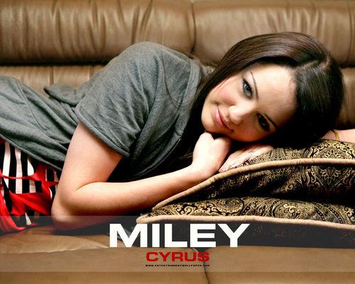 Miley Cyrus 壁纸