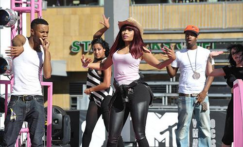 Nicki Minaj rehearses outside the Nokia Theater for the 2010 mtv VMAs.