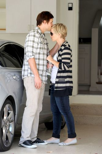 Peter Facinelli and his wife (09.11)