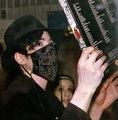 THE BLACK, SILKY MASK - michael-jackson photo