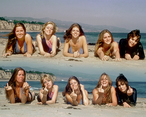 The Runaways on the spiaggia - 1977