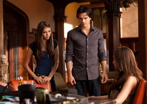 The Vampire Diaries - Episode 2.03 - Bad Moon Rising - Promotional चित्रो