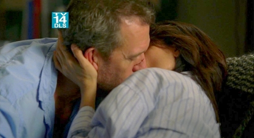 Huddy wallpaper called The couch kiss - sexy HQ caps