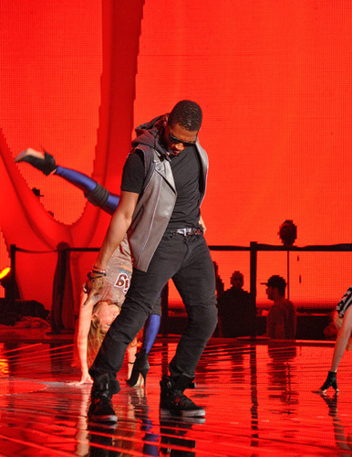 usher rehearses at the Nokia Theater for the 2010 mtv VMAs.